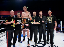 "Semijs Šīlts triumfē ""Glory Heavyweight Grand Slam"" turnīrā"